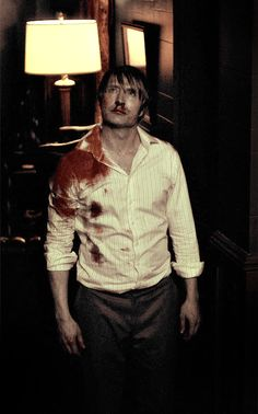 He makes blood so attractive 😘😘 Dr Hannibal, Hannibal Tv Series, Will Graham, Sherlock Holmes, Gotham, Samurai, Hugh Dancy, Marvel, Actor