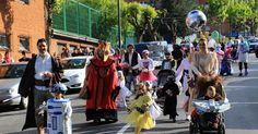 La baja de disfraces de las fiestas de Lutxana saca a las calles a cientos de personas