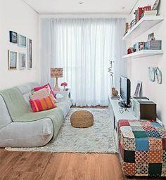 Decoração descontraida de sala de estar pequena