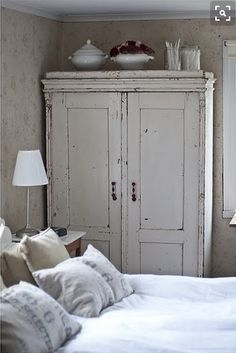 6 Graceful Hacks: Shabby Chic Desk Old Doors shabby chic living room small.Shabby Chic Sofa Home Tours. Chic Interior, Chic Bedroom, Chic Wallpaper, Shabby Chic Living Room, Furniture, Chic Furniture, Chic Living Room, Shabby Chic Pillows, Shabby Chic Homes