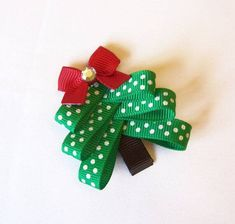 Polka Dot Christmas Tree Hair Clip - A Cute Ribbon Sculpture Christmas Clippie - Winter Hair Bows Christmas Tree Hair, Holiday Hair Bows, Christmas Bows, Kids Christmas, Felt Hair Bows, Felt Hair Clips, Flower Hair Clips, Ribbon Crafts, Diy Ribbon