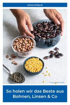 Wenig Fett, viel Eiweiß, viele Nährstoffe: Hülsenfrüchte bieten sich nicht nur für fettarme Ernährung an, sondern auch für fleischlose. Wir haben nachgefragt, wie gesund Linsen, Bohnen und Co wirklich sind. Plus: 3 einfache und gute Rezepte! Raw Food Recipes, Vegan Food, Food Hacks, Acai Bowl, Drinks, Cooking, Breakfast, Health, Places