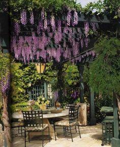 idee deco jardin table chaise et verure