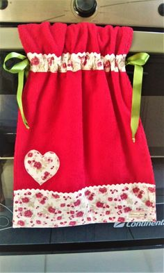 Scrap Fabric Projects, Easy Sewing Projects, Fabric Scraps, Kitchen Towels Hanging, Hanging Towels, Dish Towels, Hand Towels, Towel Dress, Baby Shoes Pattern