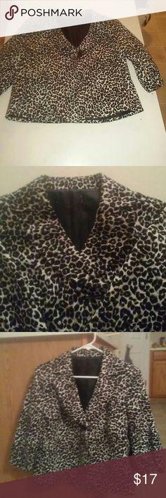 Leopard blazer Excellent condition. Missing tag label Jackets & Coats Blazers