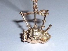 14K YELLOW GOLD 3D SCOTTISH BAGPIPES CHARM opens up to bagpiper | eBay