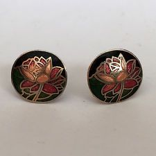 Vintage round flat flower enameled gold tone stud earrings with push ... Lot 658