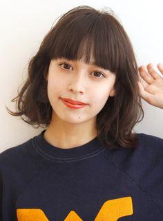 楽チン♪ボブ×エアウェーブ!!(髪型ボブ)(ビューティーナビ) Korean Short Hair, Short Hair With Bangs, Hairstyles With Bangs, Pretty Hairstyles, Medium Hair Styles For Women, Medium Hair Cuts, Short Hair Styles, Middle Hair, Hair Arrange