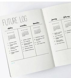 The future log in your bullet journal gives you a yearly overview of the year. See how to set up a bullet journal future log or use my free PDF pritnable. The latest bullet journal ideas. Bullet Journal Minimalist, Bullet Journal How To Start A, Bullet Journal Notebook, Bullet Journal Spread, Bullet Journal Layout, Bullet Journal Ideas Pages, Bullet Journal Inspiration, Book Journal, Bujo