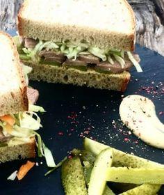 Dort s máslovým piškotem akrémem | Recepty na Prima Fresh Thing 1, Coleslaw, Dress Patterns, Sandwiches, Bbq, Low Carb, Fresh, Food, Barbecue