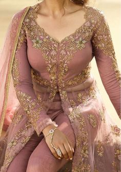 Indian Designer Dresses & Traditional Clothes Online Shopping in USA Party Wear Lehenga, Party Wear Dresses, Lehenga Suit, Flapper Dresses, Anarkali Suits, Prom Dresses, Formal Dresses, Wedding Dresses, Embroidery Suits Design