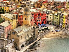 Vernazza (Cinque Terre - Italy) Loved this, even more beautiful in person Places To Travel, Places To See, Travel Destinations, Places Around The World, Around The Worlds, Wonderful Places, Beautiful Places, Costa, Italy Holidays