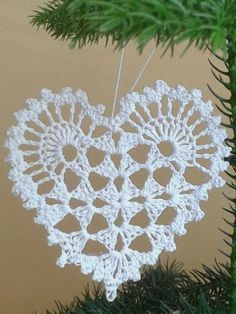Kate's Crochet World Crochet Butterfly Pattern, Crochet Applique Patterns Free, Granny Square Crochet Pattern, Crochet Motif, Crochet Flowers, Crochet Christmas Ornaments, Christmas Crochet Patterns, Holiday Crochet, Crochet Gifts