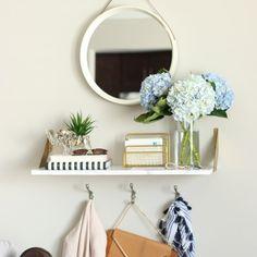 https://i.pinimg.com/236x/e6/b7/75/e6b775268c4b12e54d874a4fb26a08ba--studio-apartment-apartment-living.jpg