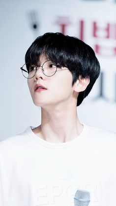 Find images and videos about kpop, exo and baekhyun on We Heart It - the app to get lost in what you love. Baekhyun Chanyeol, Park Chanyeol, Exo Chen, Baekhyun Fanart, Chanbaek, Exo Ot12, Kpop Exo, Laura Lee, Shinee