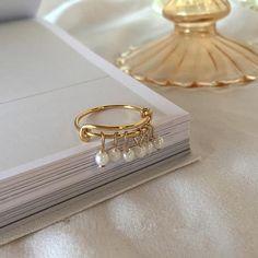 Temperament Geometric Round Pearl Ring – klozetstyle.com Fine Jewelry, Women Jewelry, Ring Shots, Geometric Jewelry, Pearl Ring, Girl Gifts, Types Of Metal, Jewelry Watches, Wedding Rings
