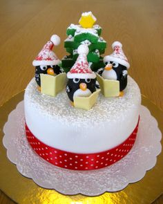 English Christmas, Christmas Carol, Christmas Cake Decorations, Christmas Cookies, Cupcake Party, Cupcake Cakes, Super Torte, Biscuits, Penguin Cakes