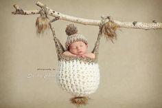 digital backdrop , background newborn boy or girl hangin hat Newborn Family Pictures, Newborn Baby Photos, Baby Poses, Baby Girl Newborn, Baby Pictures, Family Pics, Baby Boy, Native American Baby, Newborn Fotografie
