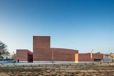 Gallery of Gallery: Public Auditorium in Llinars del Vallès by Alvaro Siza + Aresta Arquitectura - 7