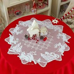 NEXT>> NEXT>> Filet crochet is a lovely technique that makes use of double crochet and Christmas Crochet Patterns, Holiday Crochet, Crochet Home, Crochet Tablecloth, Crochet Doilies, Christmas Time, Christmas Crafts, Christmas Ornaments, Christmas Tablescapes