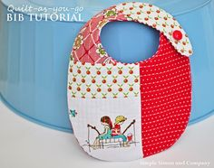 Sewing Ideas For Baby Handmade Baby Bibs {Quilt-as-you-go}-- This easy bib tutorial is a great idea for a baby gift or for your own little one. - Handmade Baby Bibs {Quilt-as-you-go}--Simple Simon and Company Baby Sewing Projects, Sewing For Kids, Sewing Tutorials, Sewing Ideas, Baby Bib Tutorial, Zipper Pouch Tutorial, Diy Tutorial, Headband Tutorial, Handgemachtes Baby