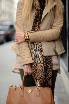 Neutrals, tan prada bag, touch of leopard ... Nice