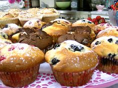 Leilas blåbärsmuffins No Bake Desserts, Dessert Recipes, Grandma Cookies, Chocolate Cupcakes, Mini Cakes, Baking Recipes, Saftiga Muffins, Deserts, Food Porn