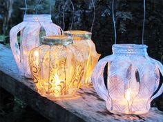 Como reutilizar potes de vidro criando delicadas lanternas decoradas com Fitas