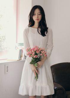 Yun Seon Young (윤선영). white dress