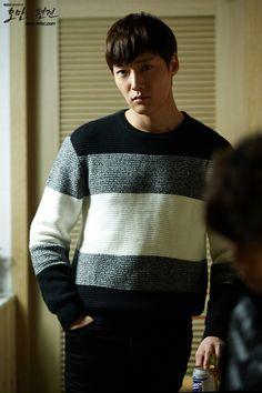 He looks cute My Secret Hotel, Choi Jin Hyuk, Dragon Heart, Pride And Prejudice, Pretty Boys, Dramas, Prince, Korean, Lovers