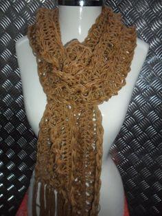 cachecol em croche de grampo lã premium www.facebook.com/artesdairis