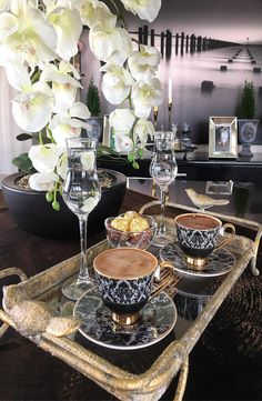 Coffee Talk, Coffee Break, My Coffee, Morning Coffee, Coffee Shop, Coffee Lovers, Coffee Table Kitchen, Coffee Presentation, Turkish Coffee Set