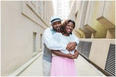 Downtown engagement photos | City engagement photos | Photography by Story and Rhythm