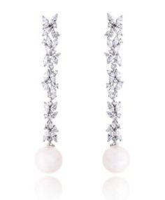 brinco longo com zirconias cristais e pérolas semi joias finas