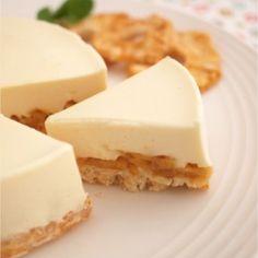 なんとふわふわのマシュマロを使って簡単にレアチーズケーキを作ることができるんです♡材料も手軽に揃うものばかりなのでぜひ作ってみてください!