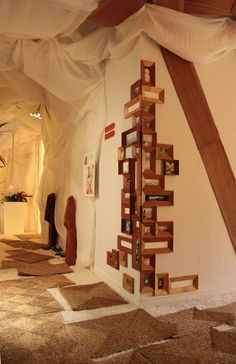 I like the idea with the frames  Interior design project by veronica martinez at Casa Decor Madrid, Garden of dreams (Jardin de los sueños)