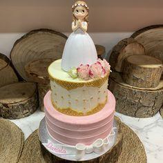 tarta buttercream bicolor deco mixta en arabesco y rayada