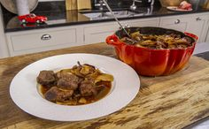 This Lamb Hotpot recipe is classic comfort food. It uses lamb leg, shoulder and kidneys and is topped with Maris Piper potatoes. James Martin Saturday Kitchen, Lamb Recipes, Cooking Recipes, Maris Piper Potatoes, Lamb Shoulder, Sliced Potatoes, Main Meals, Yummy Food, Stuffed Peppers
