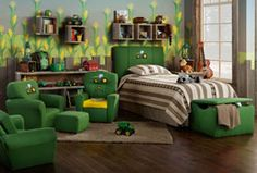 John Deere Bedroom! LOVE the corn on the walls! (K's big boy room ideas)