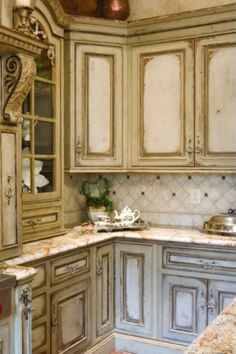 5 of 6 : Amazing Distressed Cabinets