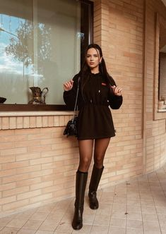 Black Boots Outfit, Sexy Boots, Sheer Tights, Black Tights, Cute Casual Outfits, Sexy Outfits, Women With Beautiful Legs, Pantyhose Outfits, Black Stockings