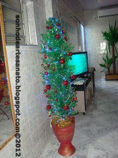 Plastic Bottle Christmas Tree Tutorial - DIY.  Sonho de Artesanato : Passo a passo - ÁRVORE DE NATAL COM PET