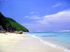Candidasa - een vissersdorpje in het oosten waar minder toeristen komen dan in het zuiden. Vijf km boven Candidasa ligt het prachtige strand Pasir Putih.