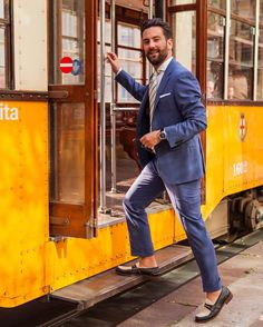 Good morning from Milano on our way to discover #designweek with @matthewzorpas wearing @canali1934 #design #fashion #photographer #milan #menswear #style #fblogger #italy #trams #suits #tailoring #salonedelmobile by sebastian_mccluskey