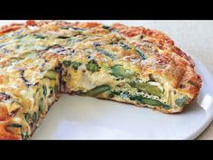 Combine soft-cooked vegetables and eggs in this delicious frittata breakfast. Organic Dinner Recipes, Asparagus Frittata, Spinach, Healthy Breakfast Options, Breakfast Ideas, Healthiest Breakfast, Savory Breakfast, Stuffed Mushrooms, Stuffed Peppers