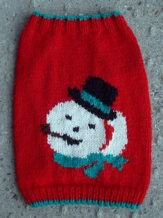 Snowman face from a vintage Mary Maxim pattern. I think it needs some pimping---snowflakes maybe?