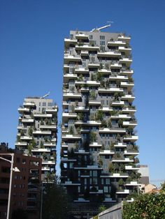 The celebrated new green towers at Bosco Verticale (Copyright: IGRA). Green Roof System, Residential Building Design, Schematic Design, New Green, Sustainable Development, Science And Technology, Sustainability, Facade