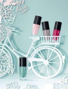 Lancome Vernis in Love –  242M Rose Bagatelle – bright fuchsia 347B Rose Monceau – soft pink 383M Vert Tuileries – mint green 559M Gris Rivoli – dusty lavender
