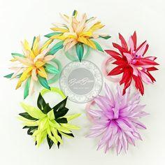 """Użytkownik Biżuteria z sutaszu #BetiBizu udostępnił post na Instagramie: """"Kwiaty 💐 wreszcie na gumeczkach!  #betibizu #handmade #satin #flower #rainbow #polish #art #jewerly…"""" • Obserwuj jego konto, aby zobaczyć 45 postów. Jewelry, Instagram, Jewlery, Jewerly, Schmuck, Jewels, Jewelery, Fine Jewelry, Jewel"""