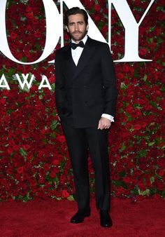 A double-breasted jacket is a very mature way to go at a red carpet event. We really enjoyed Jake Gyllenhaal's clothes, but we also liked his grooming as well. His overall look is a lesson of how you can sport a beard and make sure you look great.